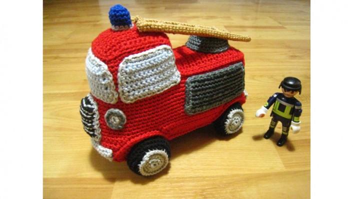 Feuerwehrauto Häkelperle